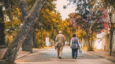 """My message is to see a doctor and not accept the cognitive decline that is accompanied by slowed walking as if it were normal,"" said Richard Camichioli, professor of medicine and a member of the Institute of Neurology and Mental Health."