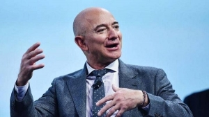 "The founder of ""Amazon"" has gotten richer than the founder of ""Microsoft"""