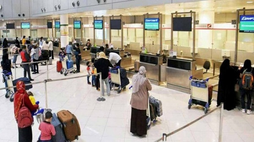 An immediate examination at Cairo Airport to detect the mutated Corona virus