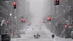 Life freezes over in New York, video
