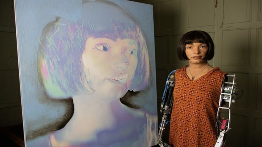 """Ai Da"" is the first female ""robot"" artist."