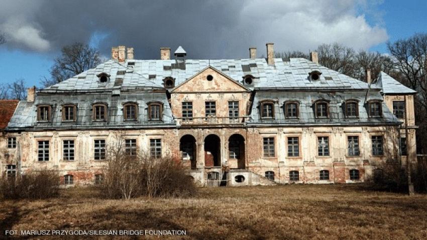 Hunt for a Nazi treasure buried in Minkowski Palace, Poland